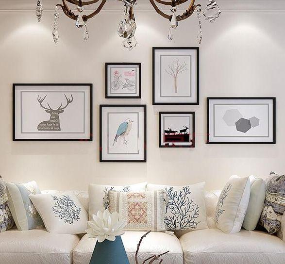 Tranh treo tường giúp tạo điểm nhấn đặc biệt cho phòng khách
